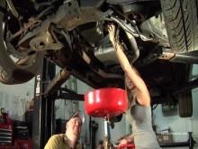 Замена масла в двигателе своими руками